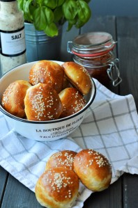 Hamburger Brötchen (Burger Buns)