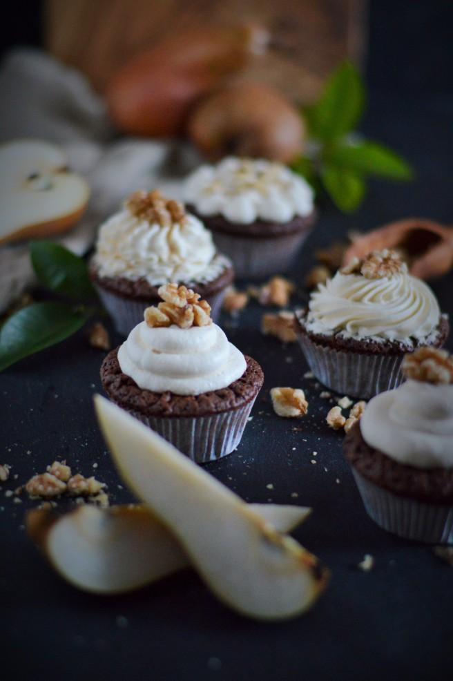 Schokoladen-Birnen-Cupcakes