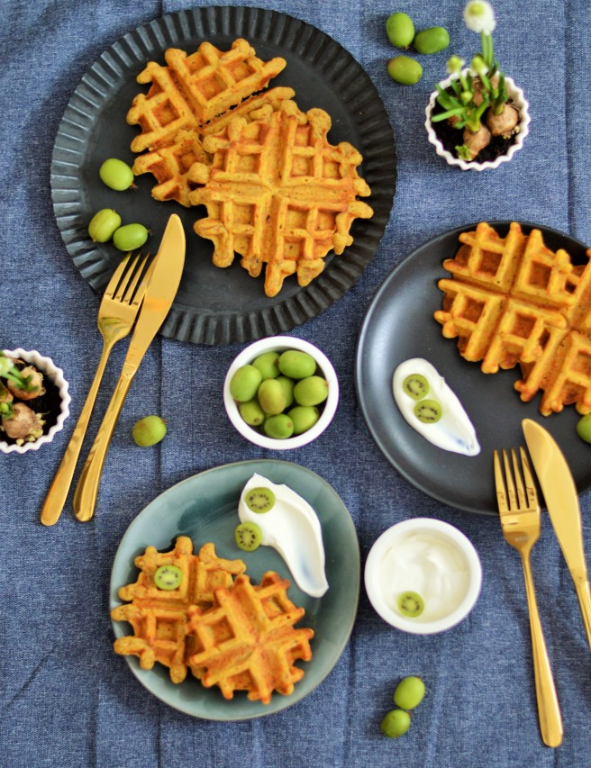 Happy Weekend: Carrot Cake Waffeln zum Brunch | sugar meets chili